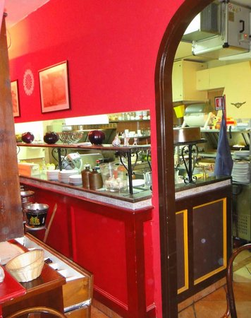 La cuisine, laboratoire ultra-moderne - Picture of ...