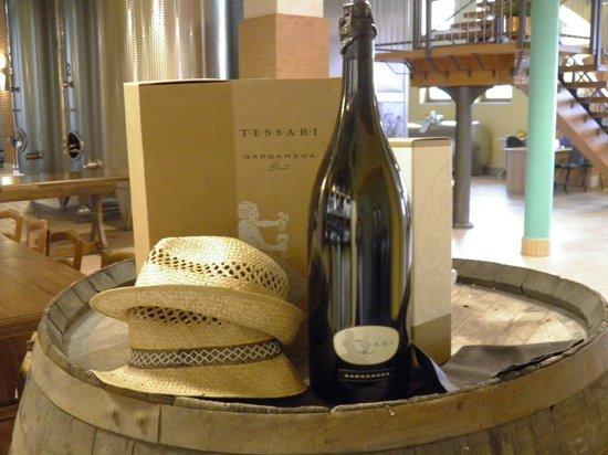 Veneto Tours - Day Tours : Prosecco wine at Tessari ... lovely displays