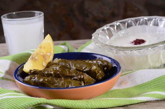 Dalal: Yalanji- vegetarian stuffed vine leaves