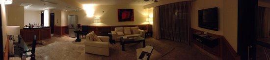 Excellence Playa Mujeres: Honeymoon suite 9067 living room