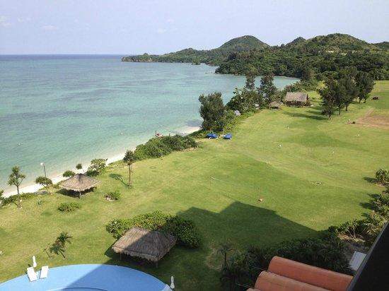 Sukuji Bathing Beach : シーサイドホテルから川平崎を望む