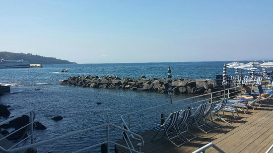 Grand Hotel Ambasciatori: Sunbathing platform
