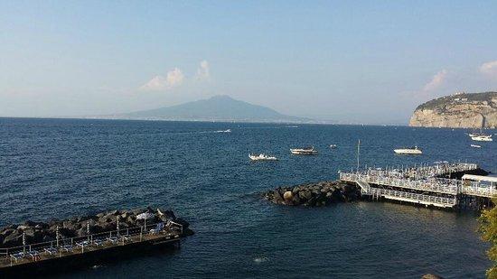 Grand Hotel Ambasciatori: Mount Vesuvius
