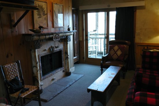The Lodge at Buckberry Creek: Kamin
