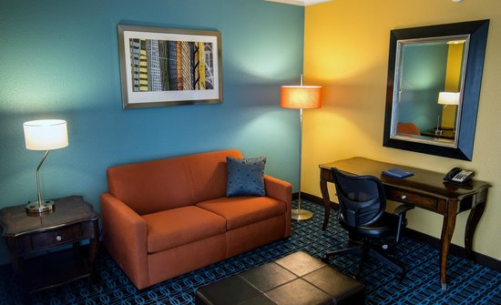 Fairfield Inn & Suites Cincinnati North / Sharonville: Executive Suite