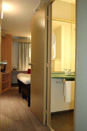 Ibis Auray : chambre