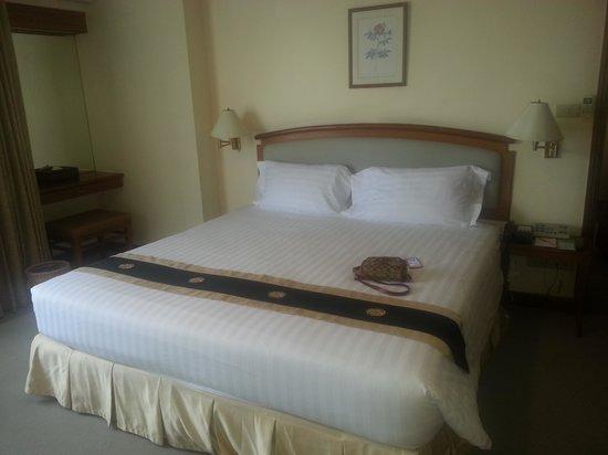 Grand Diamond Suites Hotel : Junior Suite bedroom.