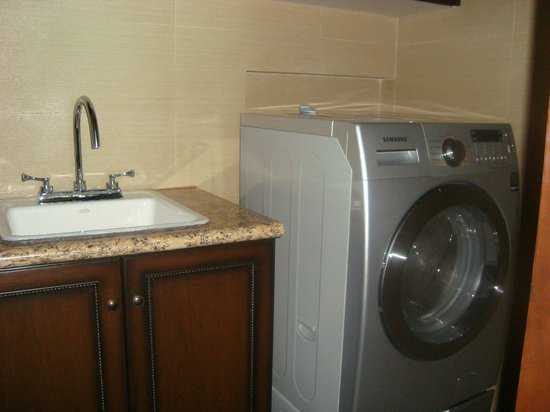 Grand Residences Riviera Cancun : Laundry rooms, suite 128