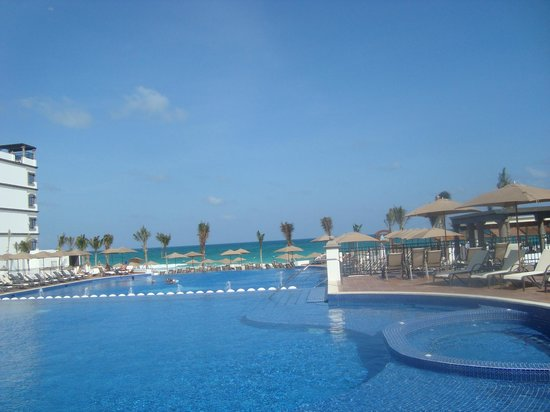 Grand Residences Riviera Cancun: pool