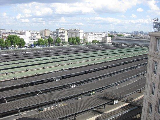 Mercure Paris Gare Du Nord La Fayette: uitzicht vanop balkon