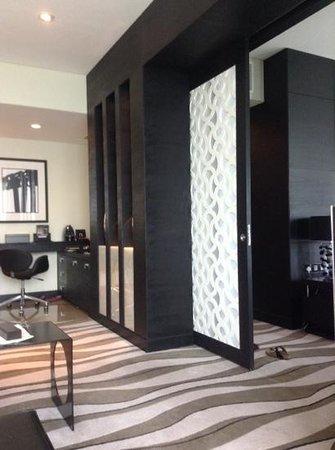 Sofitel Abu Dhabi Corniche: excellent room