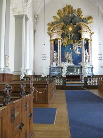 Église de Notre-Sauveur : Church interior