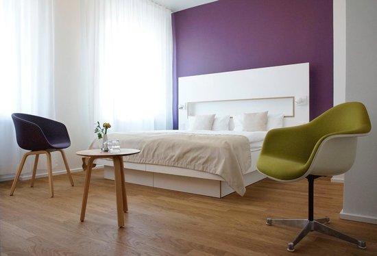 Ufer: Schönes Zimmer in der zweiten Etage!