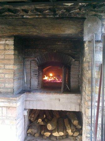 Agriturismo Villa Dama: forno a legna
