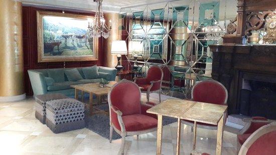 Huentala Hotel: Lobby