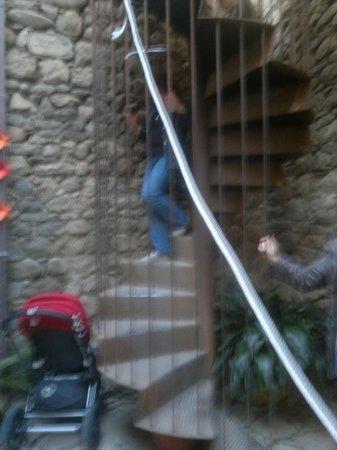 Banys Àrabs: La escalera