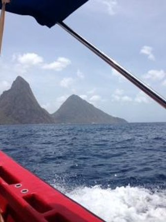 Simon Says Tours: Pitons from the Boat