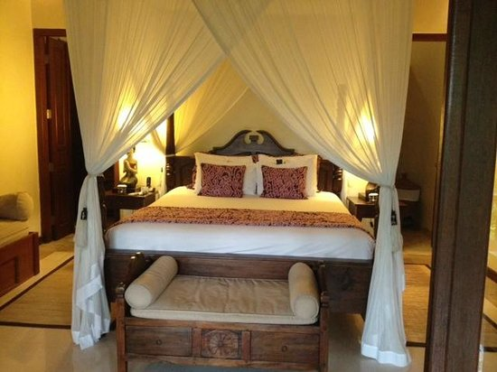 Warwick Ibah Luxury Villas & Spa : Comfy Bed
