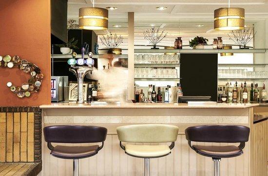 Ibis Plymouth: bar