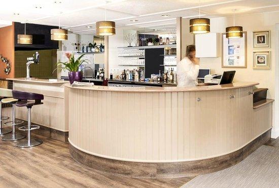 Ibis Plymouth: Reception & Bar