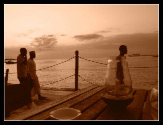 Livingstone Beach Restaurant : Let Zanzibar life pass you by
