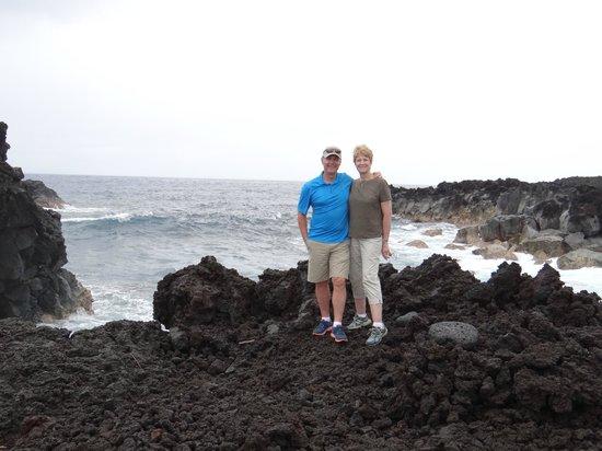 Apau Hawaii Tours: One of many beautiful spots along our tour of the Hilo area
