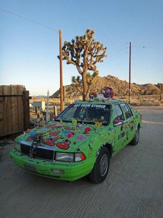 JW Marriott Desert Springs Resort & Spa: PIONEERTOWN - CAR AT HARRIET & PAPPY'S RESTAURANT