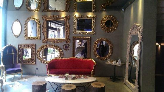 Pera Tulip City Hotel: Foyer