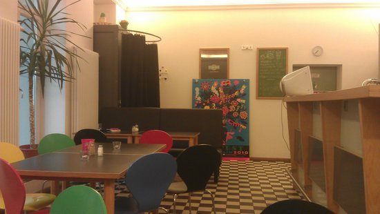 1st Floor Hostel