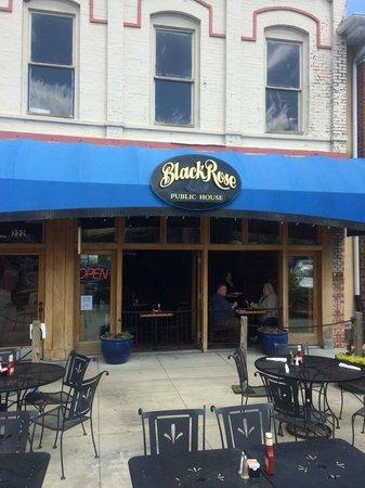 Black Rose Pub : Gem of a pub