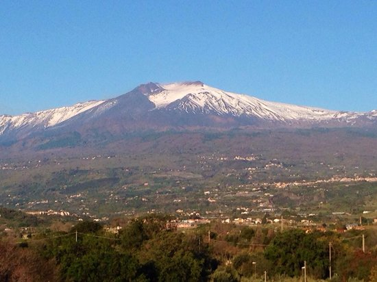Sant Alphio Garden Hotel & Spa: View of Mt Etna for our balcony!