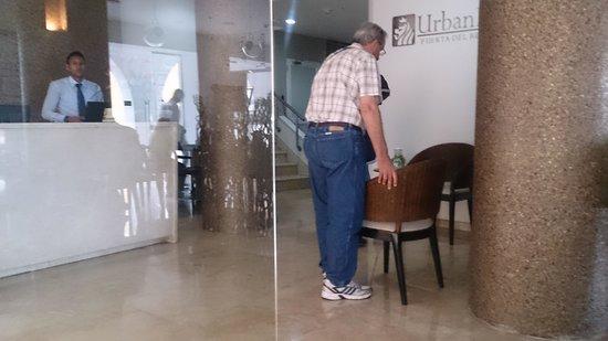 NH Cartagena Urban Royal: Incomodando al huesped