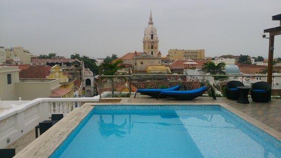 NH Cartagena Urban Royal: Buena vista de la piscina 2