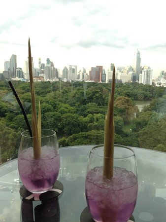 SO Sofitel Bangkok : Complimentary welcome drink presented together with a Thai fable