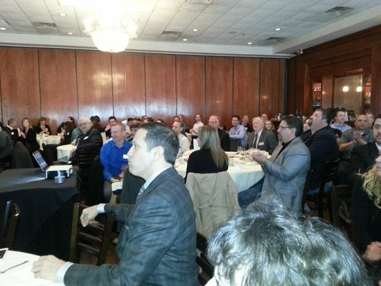 Maggiano's Little Italy: BUSINESS LUNCHEON - FULL CROWD