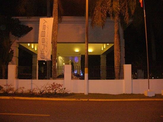 BlueBay Villas Doradas Adults Only: the front of the resort at night