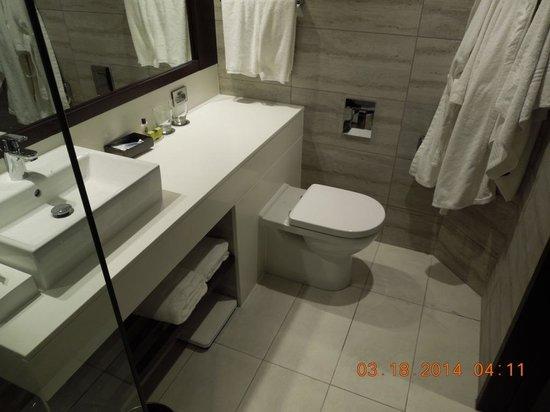 InterContinental Wellington: Beautiful New Baths