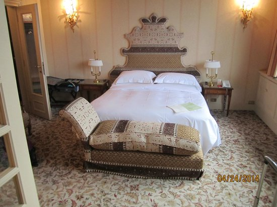 Helvetia & Bristol Hotel: Luxurious, comfortable suite!