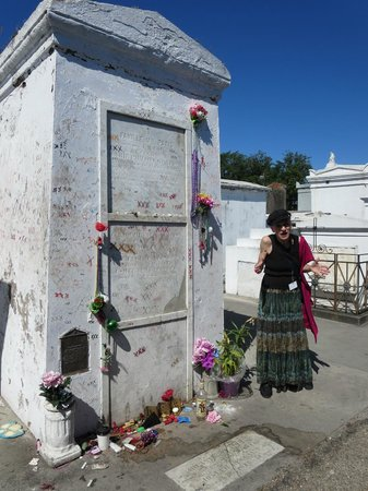 Save Our Cemeteries: Voodoo Queen Marie Laveau's grave (and tourguide Sabine)