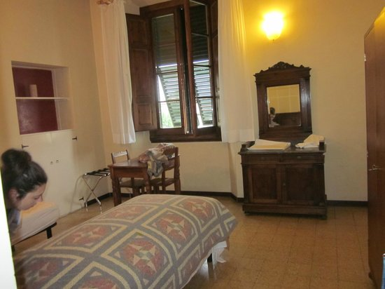 Casa Santo Nome di Gesu: sample of rooms
