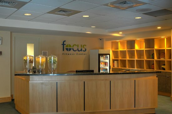 Southbridge Hotel And Conference Center : Fitness Center Desk