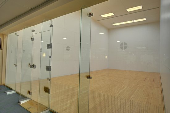 Southbridge Hotel And Conference Center : Racquetball Court