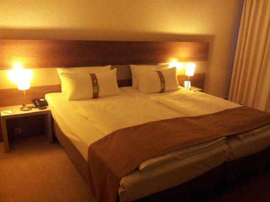 Holiday Inn Berlin City East : Zimmer