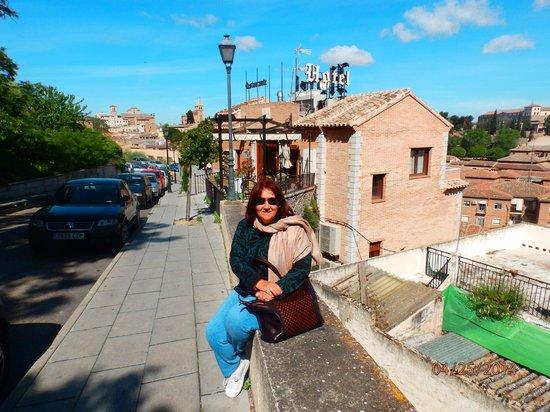 Hotel Medina de Toledo: al costado del hotel