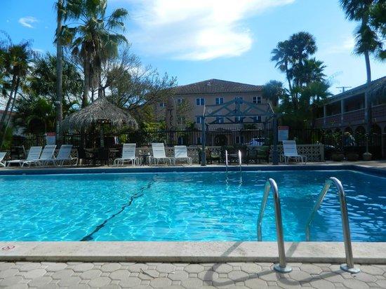 Tahitian Inn Hotel Cafe & Spa: Tahitian Inn Pool