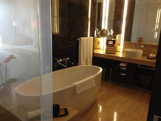 Mandarin Oriental, Las Vegas: Our Bathroom. There is a TV in the mirror. Shower is also wonderful.