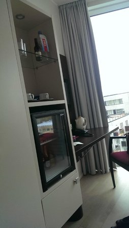 Park Inn by Radisson Meriton Conference & Spa Hotel Tallinn: Large mini bar if you need it...