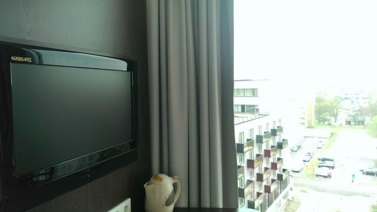 Park Inn by Radisson Meriton Conference & Spa Hotel Tallinn: Neighbours can see you