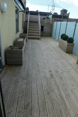 Best Western Maitrise Suites Apartment Hotel: terrasse