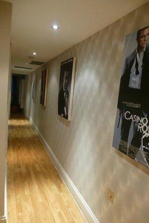 Best Western Maitrise Suites Apartment Hotel: couloir